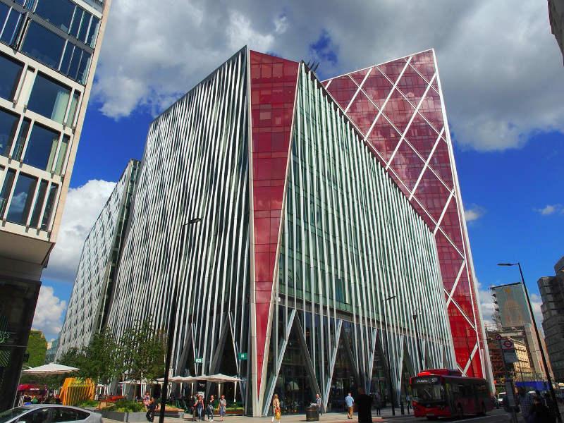 Nova Victoria − это две офисные башни 12 и 16 этажей общей площадью 480  тысяч кв. футов, разделённые аллеей. По задумке авторов комплекс должен был  стать ... b0fc4e467a5